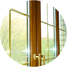 Декоративная раскладка Шпрос не просто украсит ваши новые пластиковые окна, но и послужит важной деталью дизайна всего дома. Различные цвета, формы и размеры шпроса позволяют воплотить практически любые идеи дизайнера