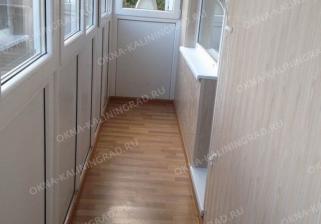 Обшивка стен и пола на балконе  пластиковыми панелями